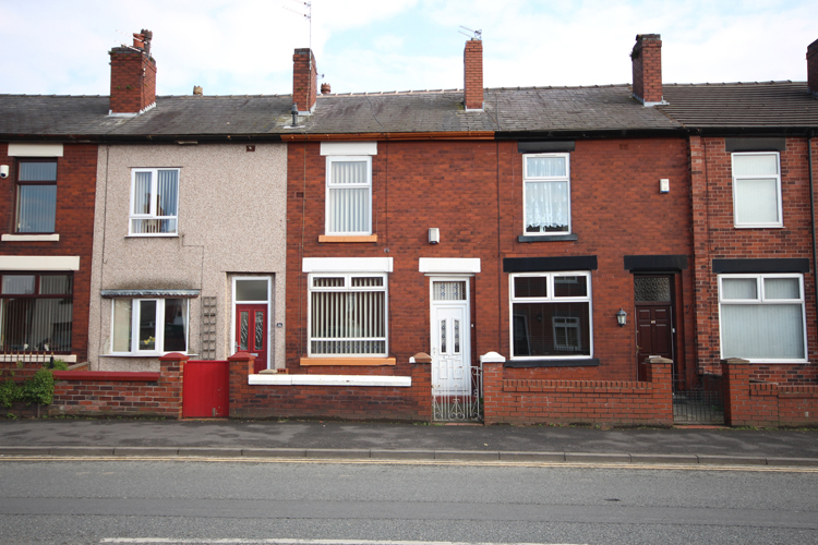 Two Bed Mid Terraced House In Bolton Sold at Auction