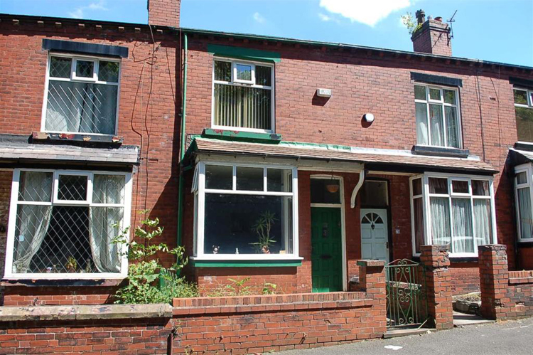 Two Bed Terraced House In Oldham Sold at Auction